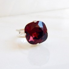 Marsala crystal square stone ring